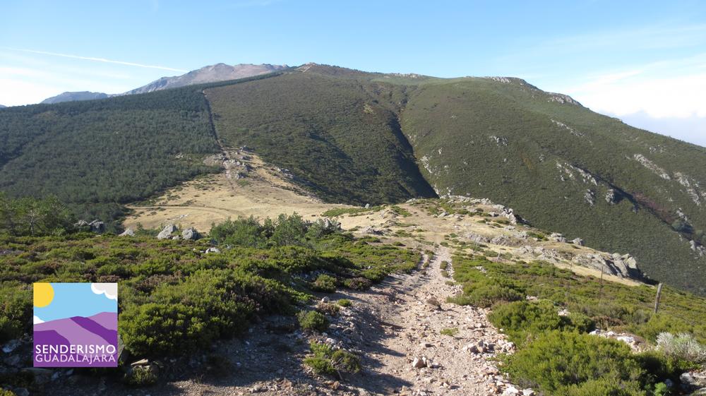 Calamorro de San Benito - Cómo subir al pico del lobo - Ruta de Subida al Pico del Lobo desde La Quesera
