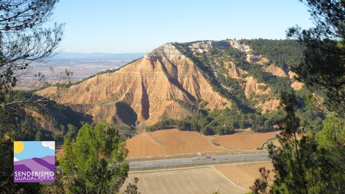 Vistas del Pico del Águila desde la Peña Hueva