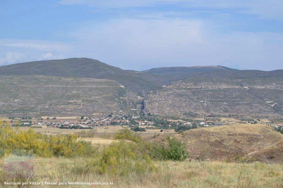 Vista de Patones de Abajo desde la localidad cercana de Uceda