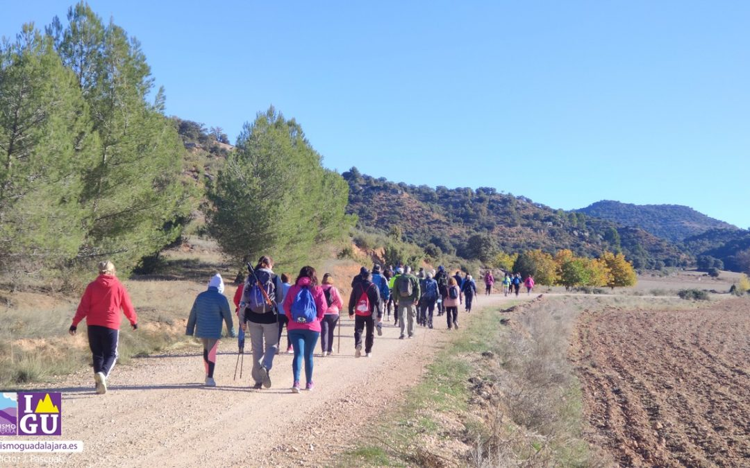 Henche ha inaugurado su red de senderos con la presentación del «Camino de las Tainas»
